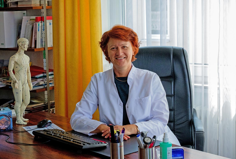 Larissa Bernhardt, Fachärztin für Allgemeinmedizin und Akupunktur